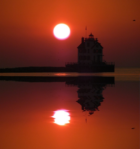 lighthouse-reflection