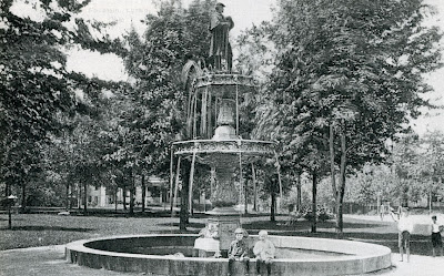 civil-war-statue-postcard