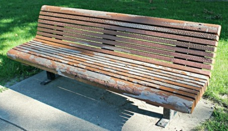 VP4 weathered bench