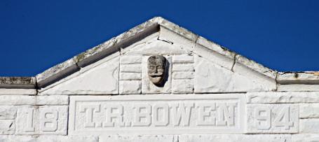 tr-bowen-building-1894-clothing-shop