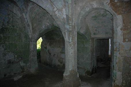 500px-France_Loir-et-Cher_Lavardin_chateau_03