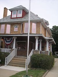 200px-Moore_House